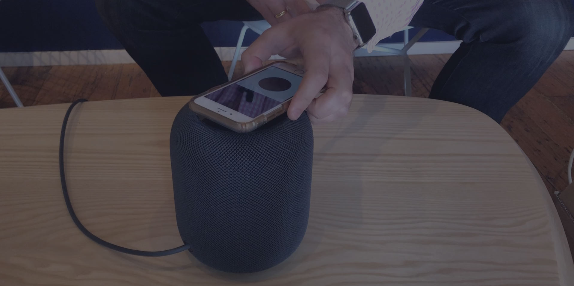 Unboxing of the new Apple HomePod